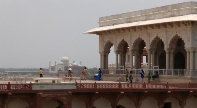 Descending South after Taj Mahal and Agra Fort