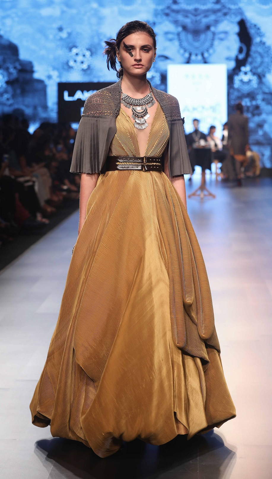 Lakmé Fashion Week Winter Festive 2018: NEXA PRESENTED THE FASHIONABLE COLLECTION FOR MILLENNIALS