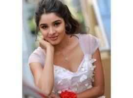 Media Promise :  Urvashi Joshi of Vedhamanavan is the next big name in Tamil industry